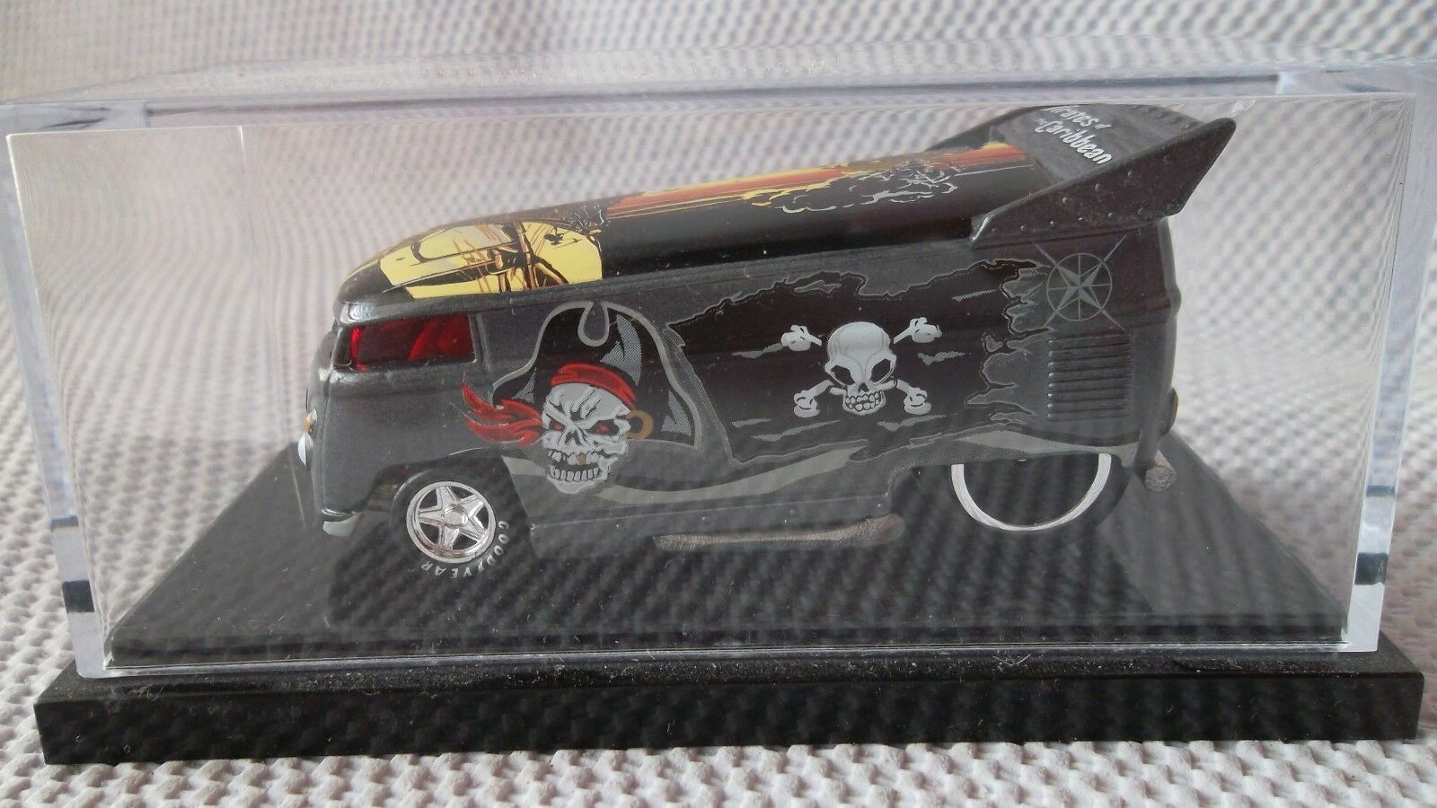 VOLKSWAGEN VW DRAG BUS Liberty Promotions Pirates of the Caribbean avec étui 1 1300