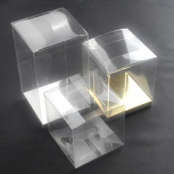 BakeryDirect Luxury Transparent PVC Cube Favour Gift Boxes - Gold Silber bases