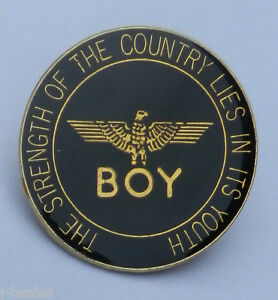BOY-LONDON-RARE-1980s-PIN-BADGE
