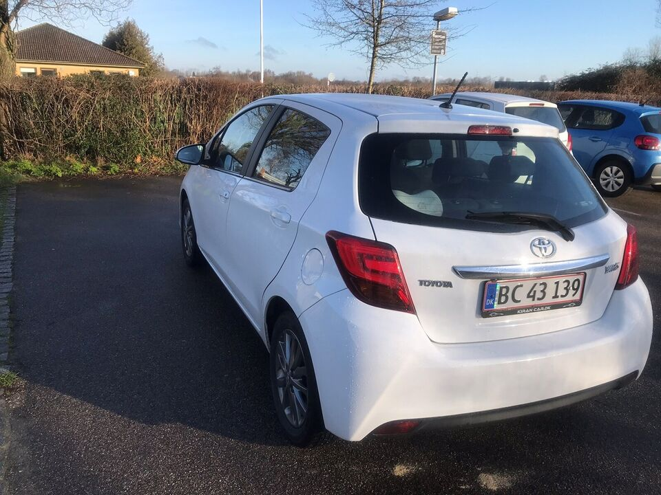 Toyota Yaris, 1,0 VVT-i T2 Komfort, Benzin