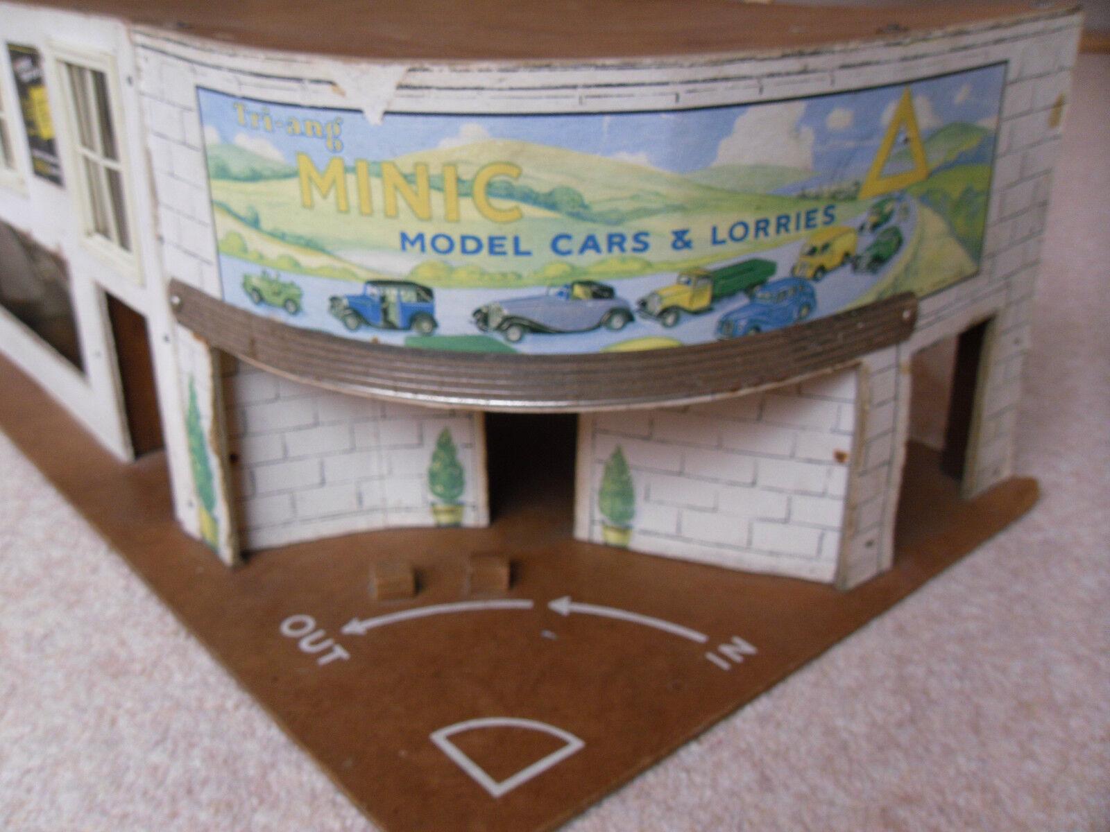 Triang Minic Model Cars & Lorries Garage