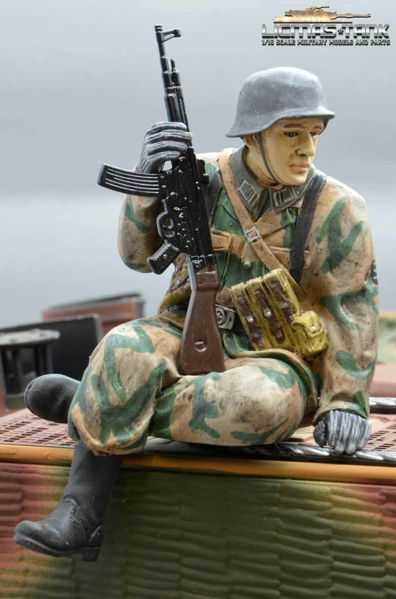 Figur 1 16 Soldat WW2 Splittertarn deutscher Tank Rider StG 44 Wehrmacht F1021
