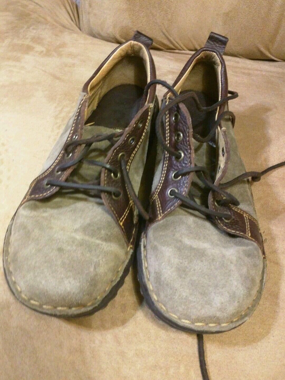 Born 2 Tone color Leather shoes Size 10 42 men