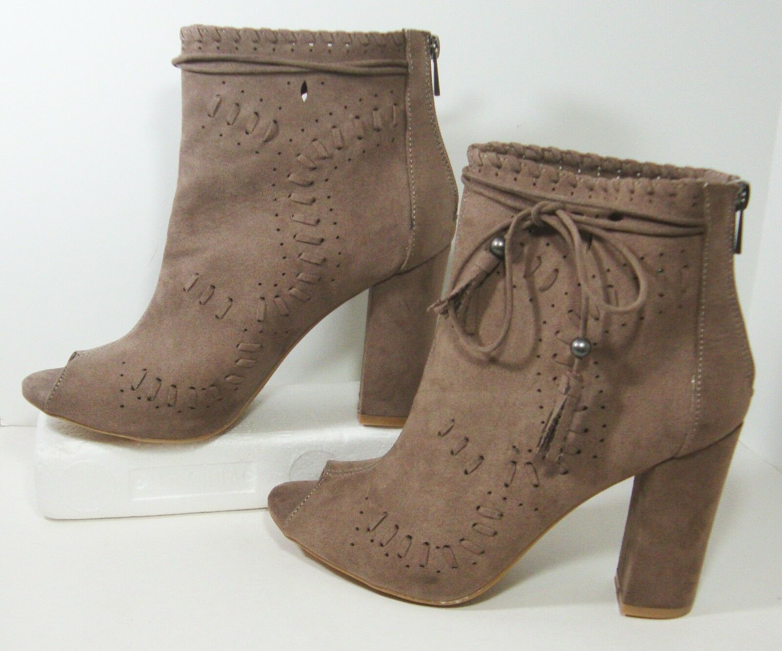 Boho Taupe Faux Suede Cutwork Peep Toe Boots Womens 11 JC Lara