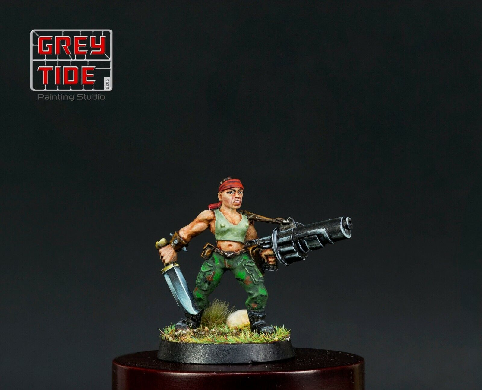 Imperial Imperial Imperial Guard Female Catachan with Grenade Launcher - Old Hammer - Painted - 1a1