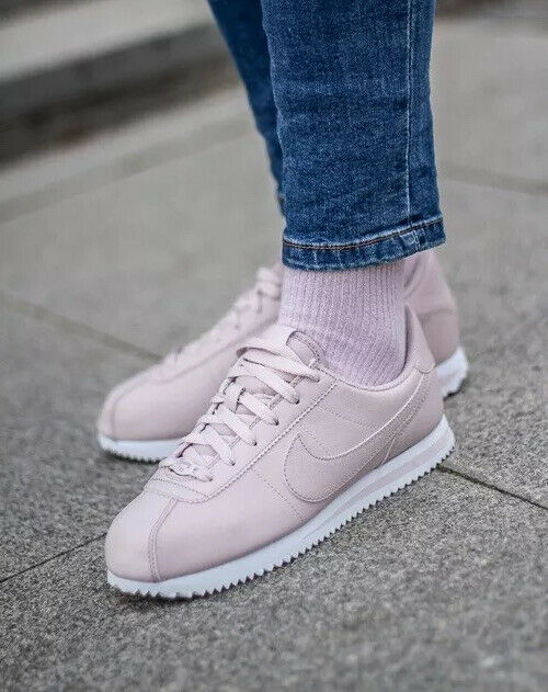 à Condition De Nike Cortez Basic Sl Ss (gs) Rose Blanc Taille 6 Uk 40 Eu (av3253-600)
