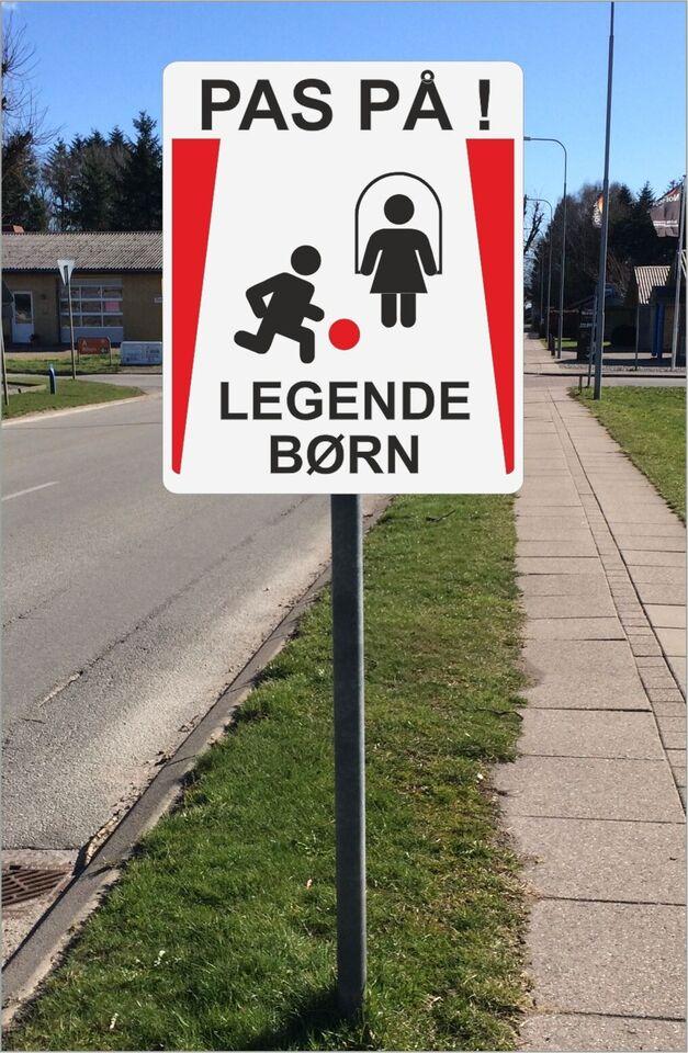 """Skilte """"Legende børn"""""""