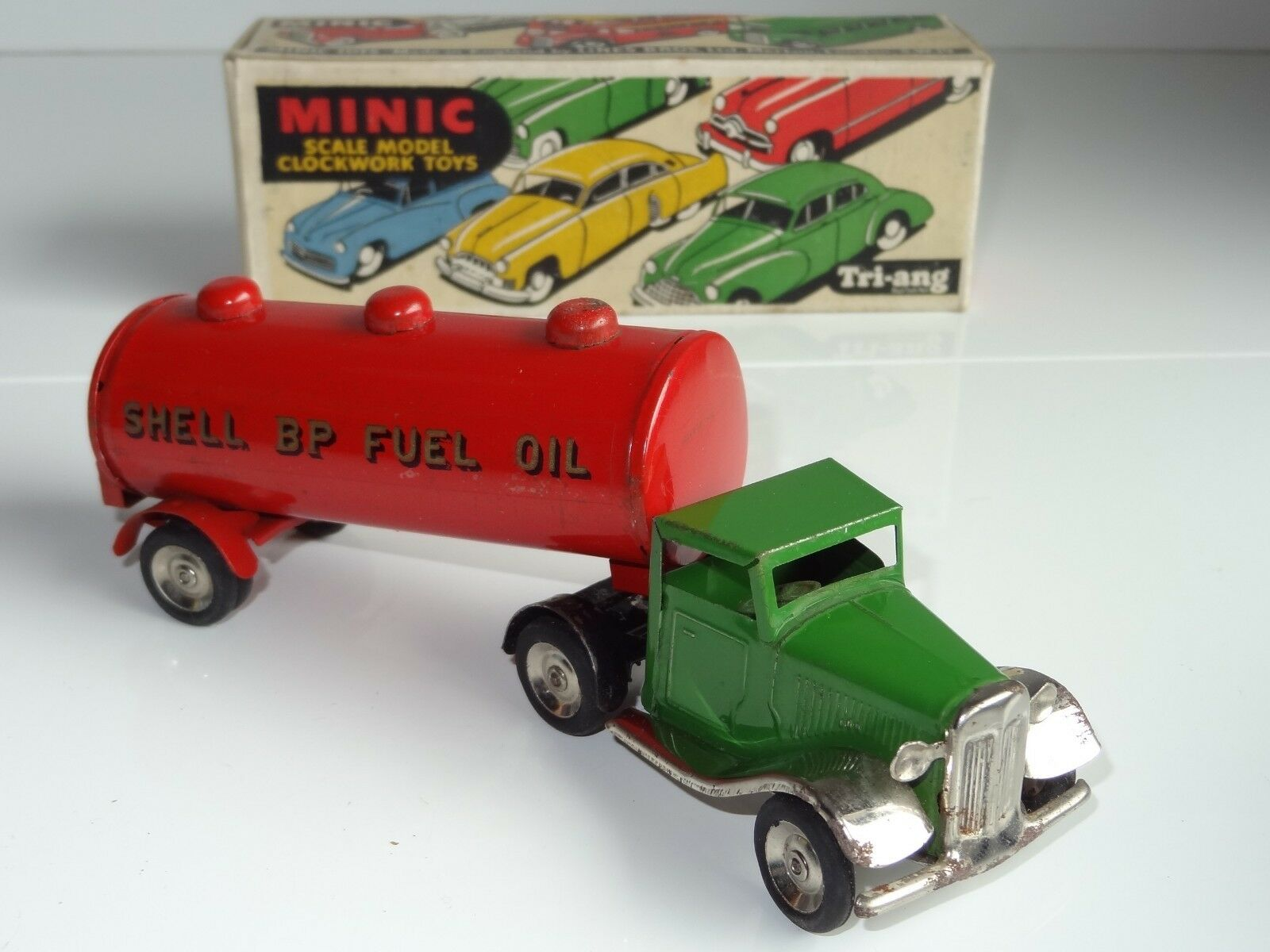(a) Triang Minic mecánico Horse & Fuel Oil Remolque BP Shell - 31 M