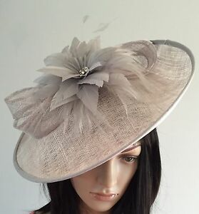 746fd1accaff9 NIGEL RAYMENT SILVER GREY WEDDING HAT DISC FASCINATOR MOTHER OF THE ...