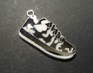 5pc-Enamel-Silver-Converse-Sneakers-Shoes-Lucky-Charm-Pendant-Tag-29mm