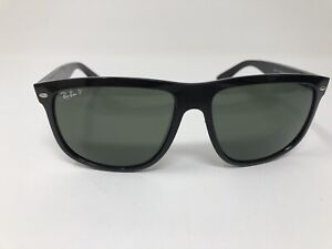 Ray-Ban-RB4147-Sunglasses-Black-Frame-Polarized-Lenses-601-58-60mm-Large-S987