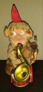 BATTERY OP THE BUSY MONKEY BANDSMAN SAXOPHONE RARE TOY 1950'S JAPAN WORKS GREAT
