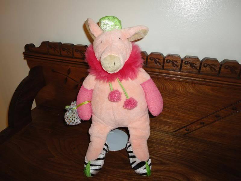 Manhattan Toy Uk Soft Stuffed Plush PIG Diva 14 Inch