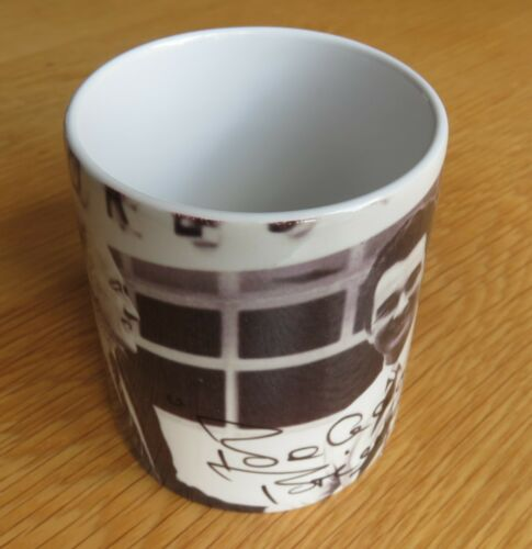 Brian Clough Signing for Forest with Signature Nottingham Forest Mug