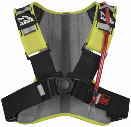 4 Point Stretch Harness USWE Outlander 2 Hydration Pack 2L  w// 1.5L Bladder