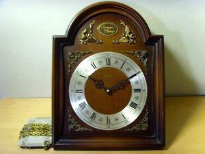 Agressif Occasion - Horloge Murale Avec . Dormir Boîte De Bois - Item Pour Collectors