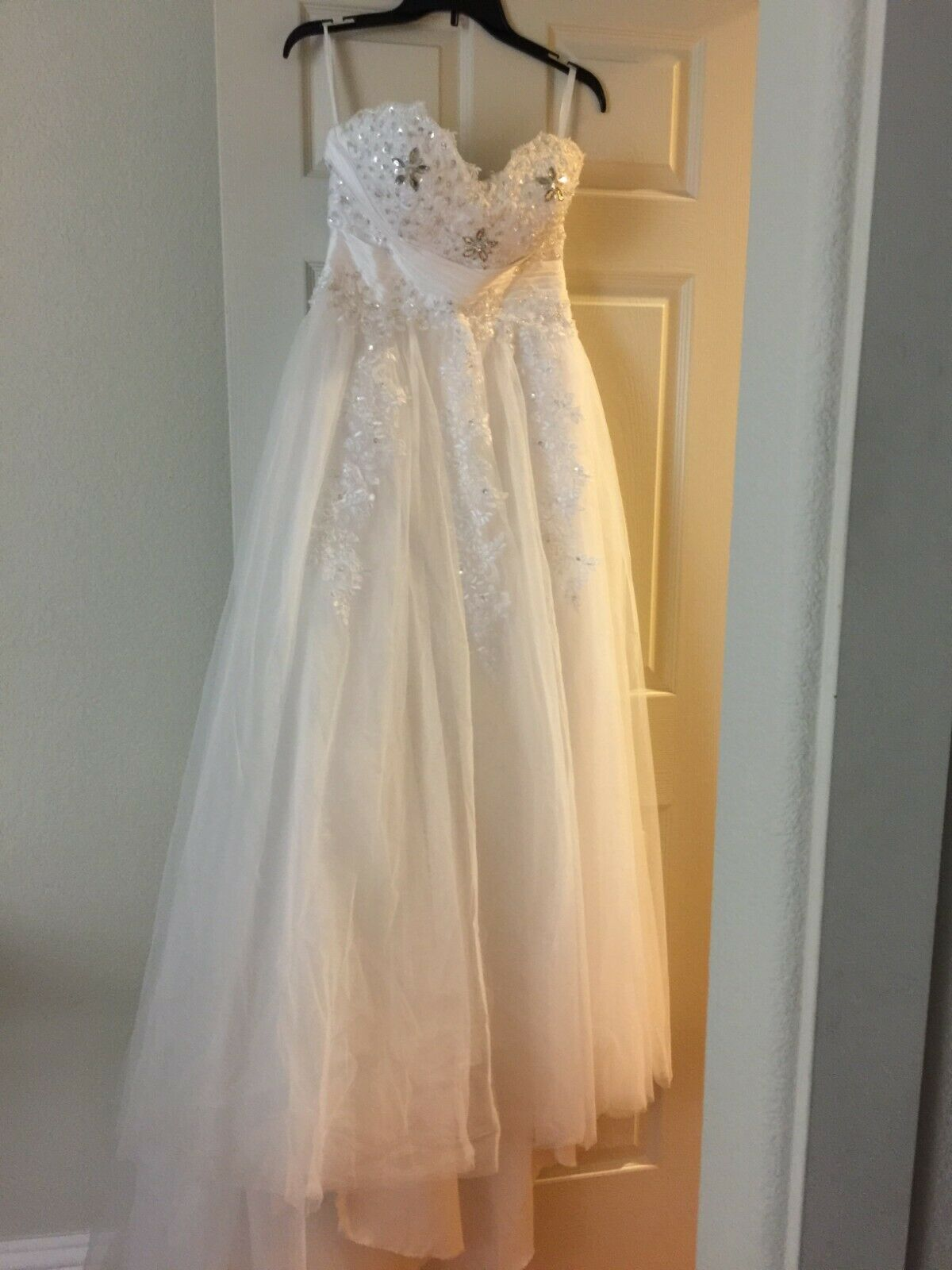 Ball Gown Sweetheart Neck Sequins Wedding Dress, Color White