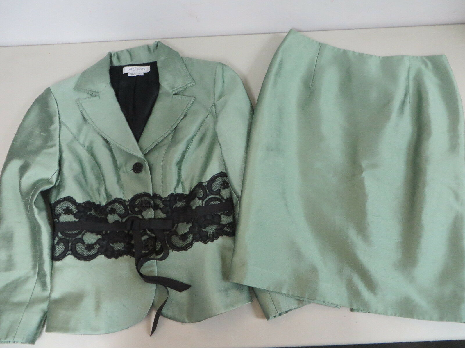 KAY UNGER  silk cotton  textured w lace tie green skirt suit 8