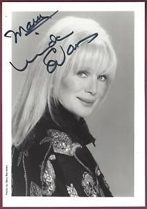 Linda-Evans-Actress-Signed-5-034-x-7-034-Photo-COA-UACC-RD-036