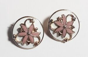 Vintage-White-amp-Pink-Enamel-Pair-Flowers-amp-Shamrock-Round-Scatter-Pins-Brooches