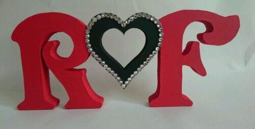 St-Valentin Personnalisé Gratuit Debout en bois initiales et cœur avec pierres précieuses