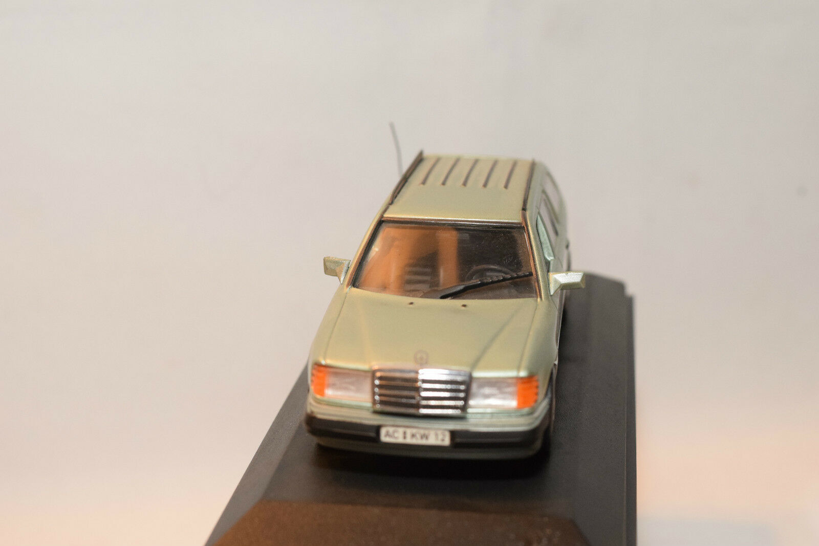 . MINICHAMPS 3302 MERCEDES BENZ 200TD 200 TD TD TD BREAK 1991 MINT BOXED RARE SELTEN bdca71