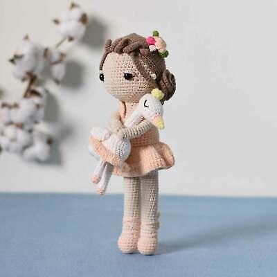 Micro amigurumi ballet. Miniature crochet doll Micro crochet ballet dancer doll Micro amigurumi doll Ballet Dancer Doll on a button