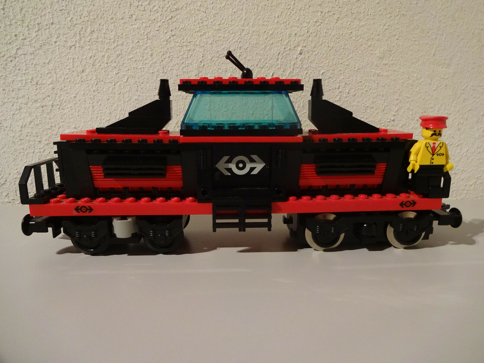 (g9) Lego System 4566 locomotive chemin de fer d'occasion 9 V examiné personnage