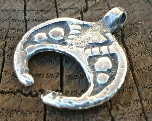 Ancient Solid Silver Neck Pendant Moon-Shaped  /'/'Lunula/'/' T01