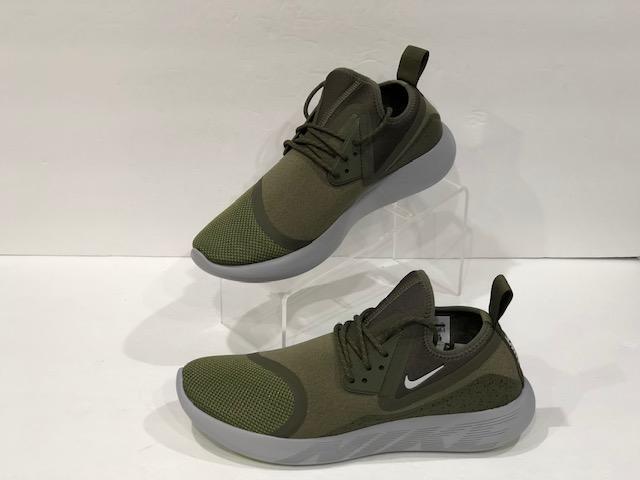 taglia 40 90ad4 73c06 Nike Lunarcharge Essential Medium Olive/Light Bone-Black 923619-200