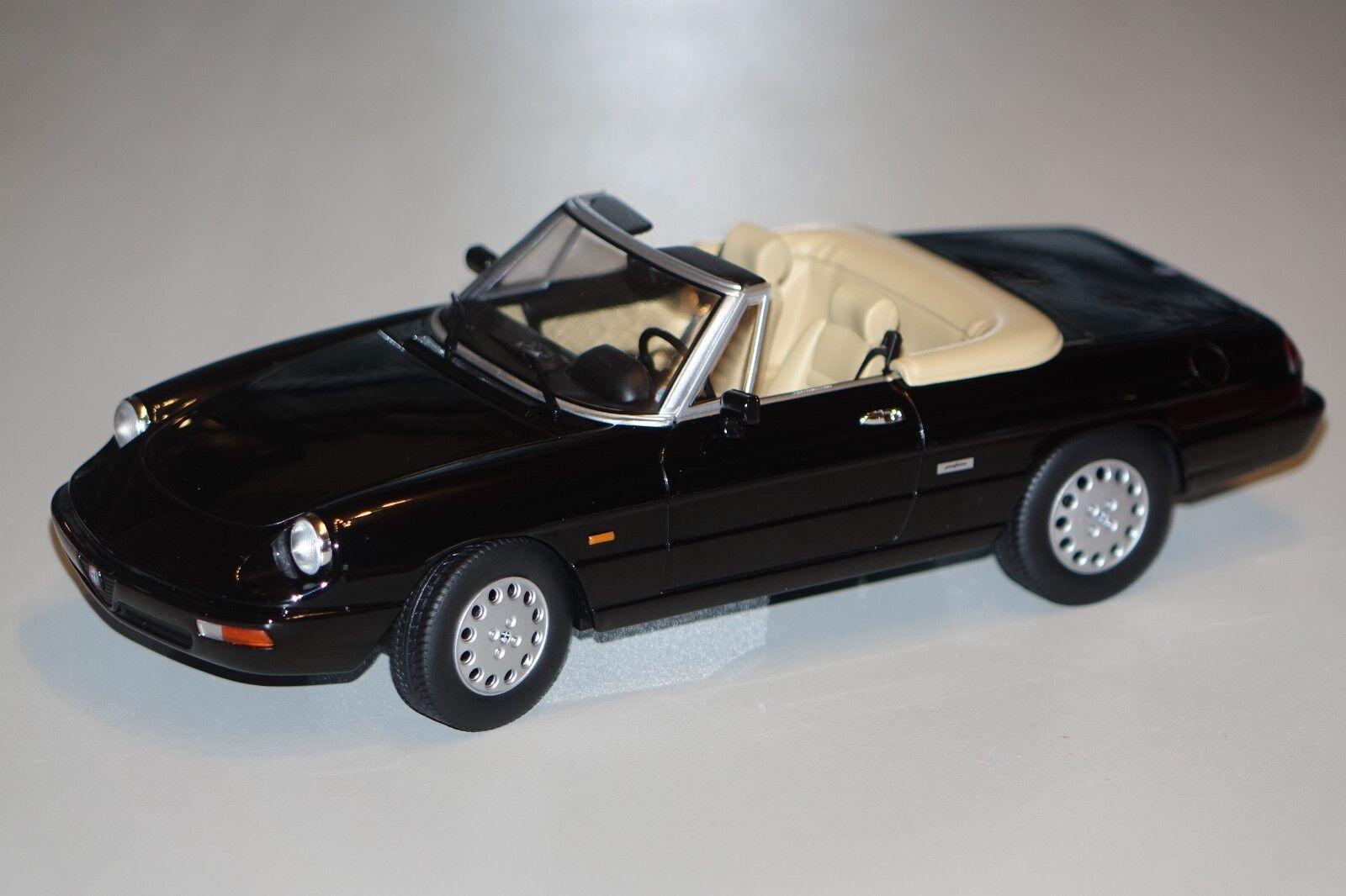 Alfa Romeo Spider 4 1990 schwarz 1 18  KK Scale 180182 neu & OVP