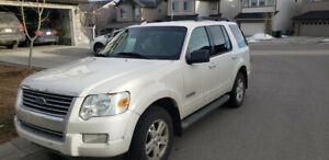 2008 Ford Explorer V8 4.6L Automatic - With Extra set of Tires