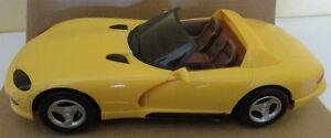AMT-Ertl-1994-Dodge-Viper-RT-10-Promo-Dandelion-Yellow-Pearlcoat-7155-MIB
