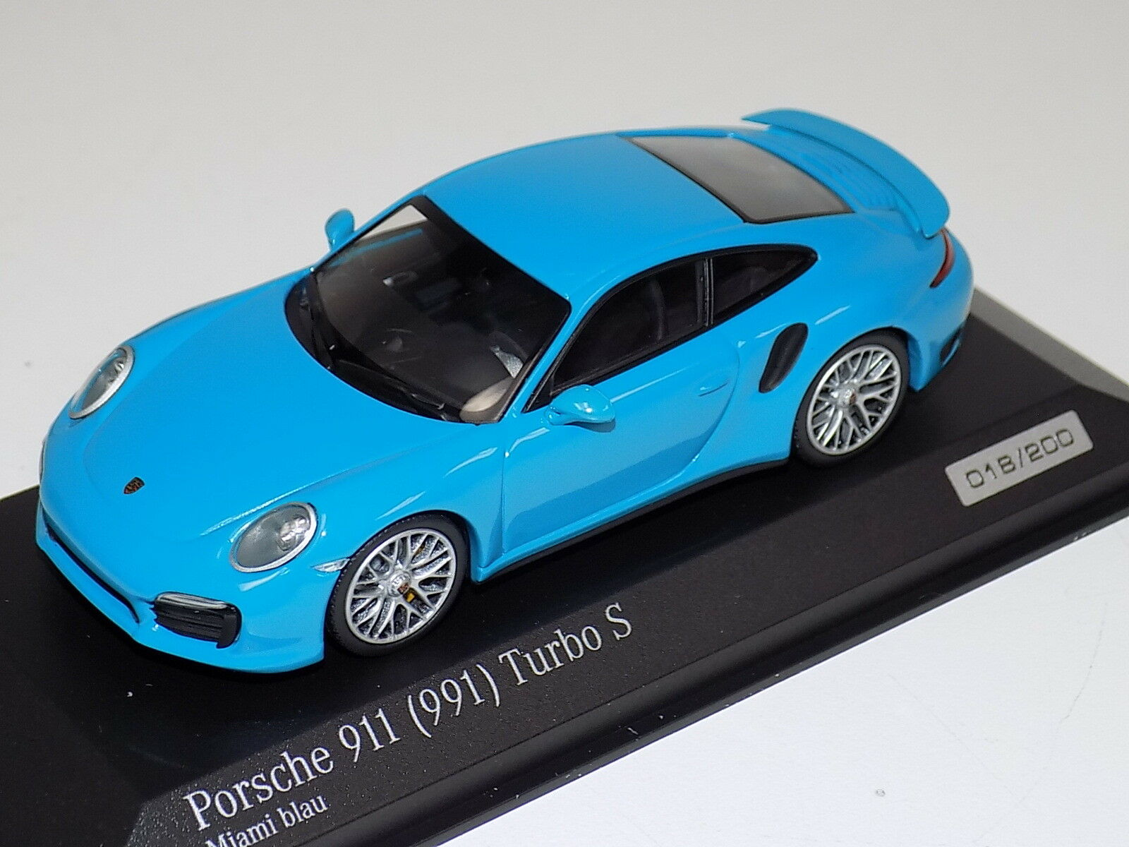 1 43 Minichamps Porsche 911 ( 991 ) Turbo Miami bleu CA04316062