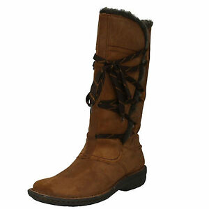 Ladies-Clarks-Avington-Hayes-Tan-Combi-Leather-Casual-Warm-Lined-Knee-High-Boots
