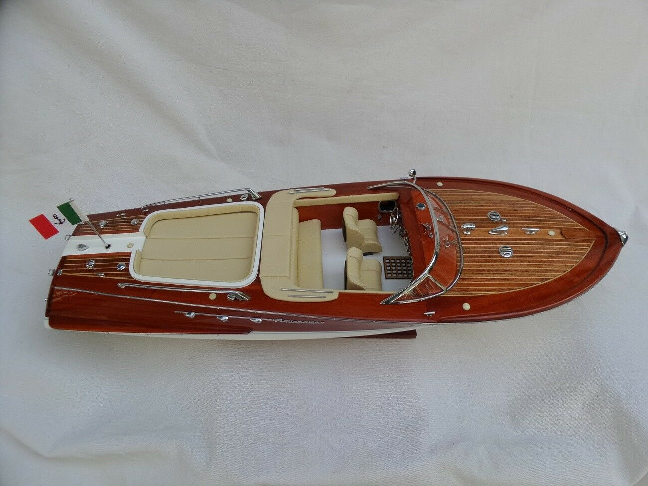 Cedar Wood Riva Aquarama Lamborghini Special 24  Cream Quality Model Boat L60