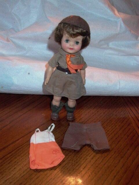 1965 Effanbee 8  Oficial Junior Girl Scout Vintage Muñeca + Ropa