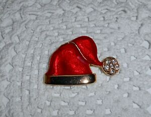 Vintage-Red-Enamel-Christmas-Santa-Hat-Brooch-Pin-Clear-Rhinestone-Gold-tone-C48