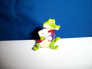 CARTOON CROCODILE Figurine STUDENT with REPORT CARD Kinder Surprise CROCO SCHOOL