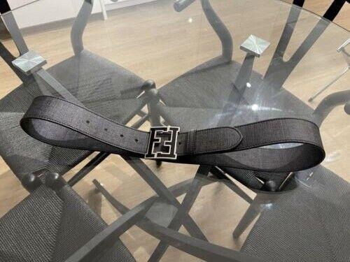 (100% Auténtico) cinturón con el logotipo de Fendi Negro para Hombre Talla 100/40 Excelente Estado