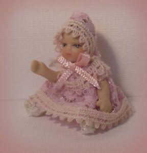 HonnêTeté Poupées Maison Petit Bébé Fille Poupée De Porcelaine ~ ~ ~ 1,12 Articulé Nursery Accessoire-afficher Le Titre D'origine