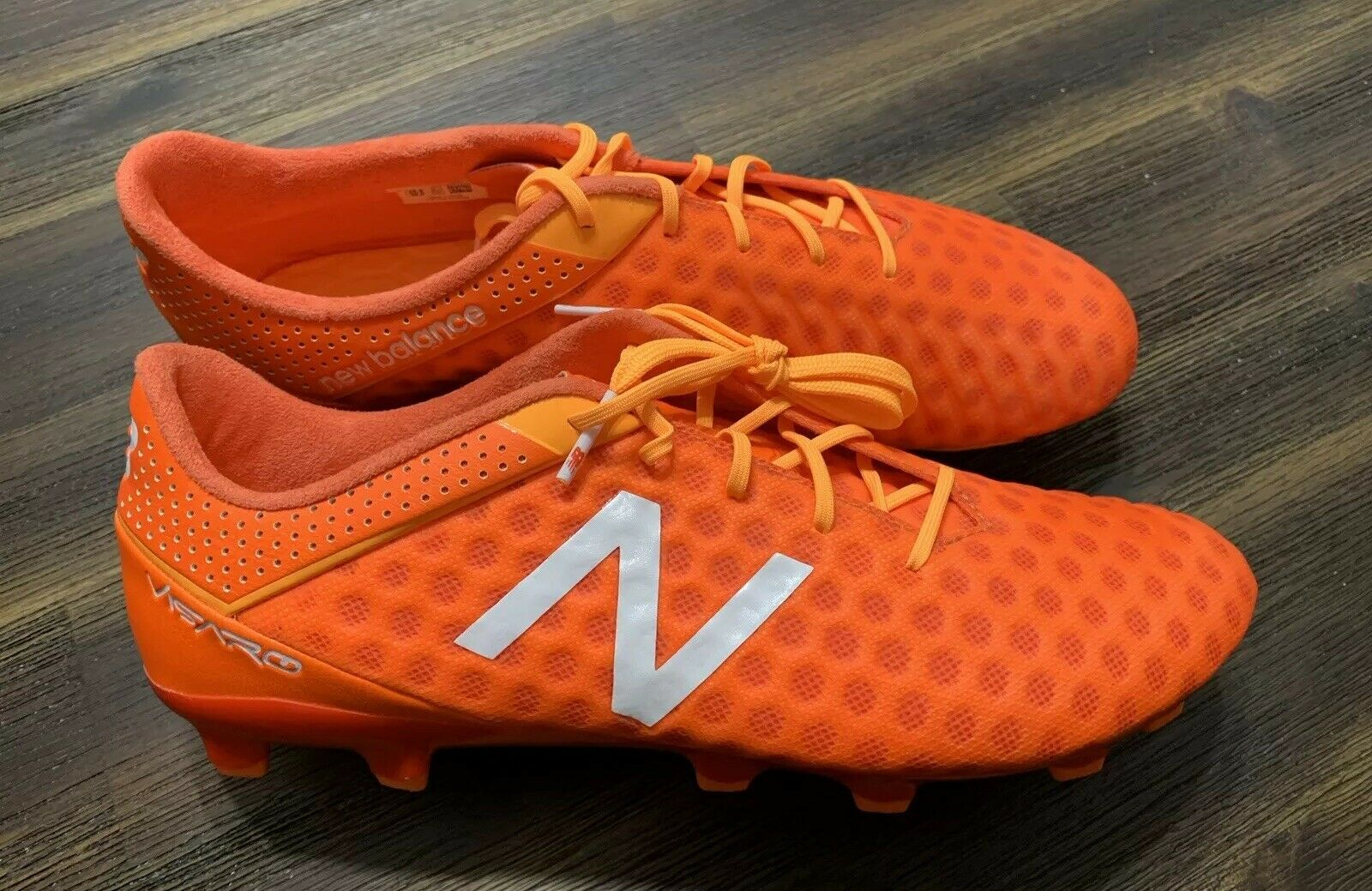 NEW BALANCE VISARO MSVRCFLF Soccer Cleats Sz 11.5 D Rare Orange