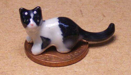 1:12 Scale Black /& White Ceramic Kitten Tumdee Dolls House Pet Cat Ornament X