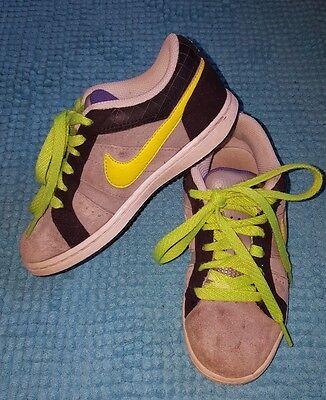 Nike Wildlederturnschuhe Gr.30 , coole Turnschuhe