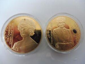 2 Belle Gedenk- Médailles__ Thème : Diana, Femme Day __ Plaqué Or __