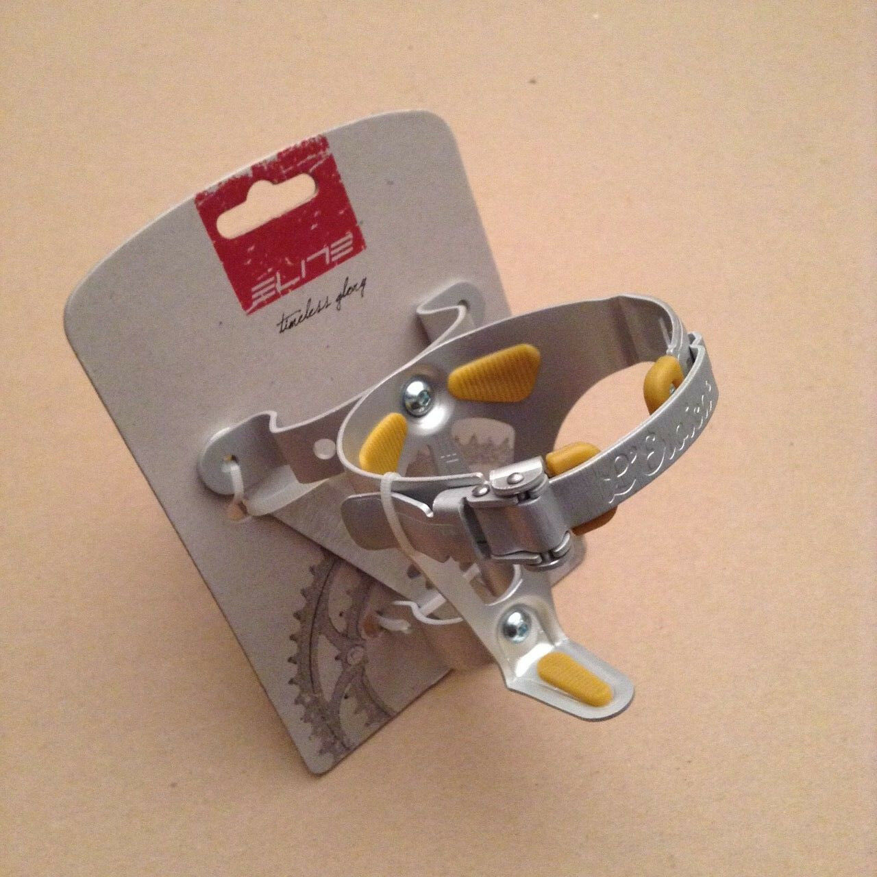 L/'Eroica. NOS  Roto cycling water bottle cage cromed Vintage