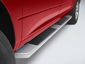 09 13 dodge ram 1500 2500 3500 new side step running board crew cab mopar oem. Black Bedroom Furniture Sets. Home Design Ideas