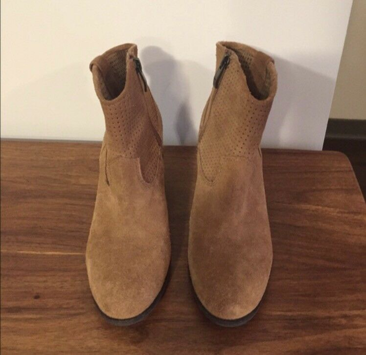 Vince Camuto Suede Holden Booties Size 6