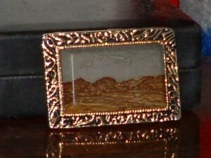 Pre-Owned-Vintage-Gold-Tone-Mountain-Scene-Belt-Buckle