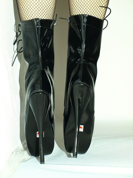 BLACK OR RED LATEX LATEX LATEX RUBBER HIGH BOOTS SIZE 9-16 HEELS-8,4'- BALLET- POLAND fd7184